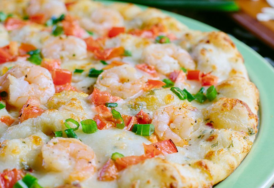 The $14.99 Garlic Shrimp Pizza Returns for a Limited Time Only to Shakey's Pizza