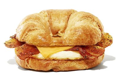 The Maple Sugar Bacon Breakfast Sandwich Returns to Dunkin' Donuts with Double the Rewards Points